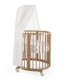Het perfecte wiegje voor je baby. Het ovale ontwerp geeft een geborgen gevoel. Met verstelbare matrashoogte. Bestel online.