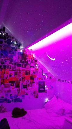 Neon Bedroom, Room Design Bedroom, Room Ideas Bedroom, Bedroom Inspo, Blue Bedrooms, Retro Bedrooms, Bedroom Decor, Wall Decor, Chill Room