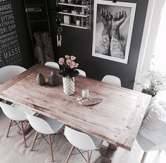 Dining Room Inspiration: 10 Scandinavian Dining Room Ideas You'll Love Black And White Dining Room, White Dinning Table, Dining Room Inspiration, Dinning Room Ideas, Cosy Dining Room, Dining Sets, Dining Area, Dining Room Design, Home And Living