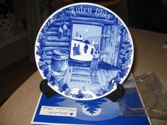 Porsgrund christmas plate 1995  Norway  tre rarest Christmas Plates, Snow Globes, Tableware, Home Decor, Dinnerware, Decoration Home, Room Decor, Dishes, Interior Design