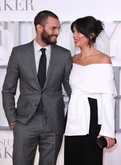 Jamie Dornan and wife Amelia Warner at the London premiere of 'Fifty Shades Darker. Fifty Shades Movie, Fifty Shades Darker, 50 Shades, Jamie Dornan And Wife, Greys Ana, Shades Of Grey Book, Dakota Johnson Movies, Pose For The Camera, It Movie Cast
