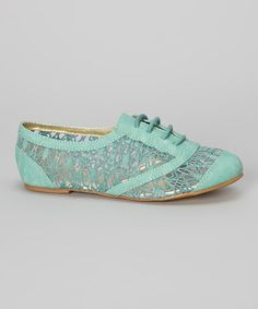 http://www.zulily.com/invite/vhanson979 Loving this Sea Green Lace Oxford on #zulily! #zulilyfinds