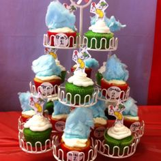 Dr.Seuss cupcakes. Thing 1 and 2 and green eggs and ham! Dr. Seuss party\ baby shower