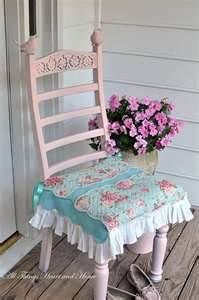 shabby chic - great little chair and seat cover, I can make it!
