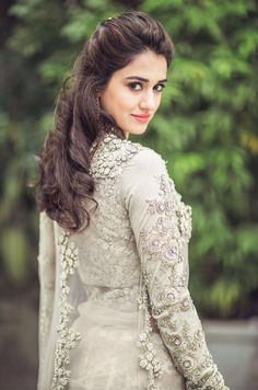 Hot and sexy Bollywood movie Actress and model Disha patani very cute beautiful photos and wallpapers with navel boobs show in saari bikini. Men's Fashion, Fashion Week, Fashion Gallery, Beautiful Indian Actress, Beautiful Actresses, Beautiful Celebrities, Bollywood Celebrities, Bollywood Actress, Indian Celebrities