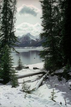~Lake & Mountain in Winter
