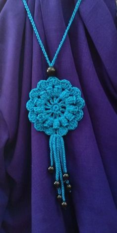 Tri Sukowati, Blue Necklace crochet – Knitting world