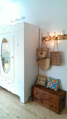 Truhe/Sitzbank  childrens room  Pinterest