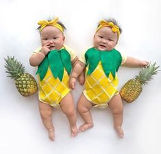 Our comfortable pineapple baby costume is perfect for an impromptu photo shoot or Halloween! Our comfortable pineapple baby costume is perfect for an impromptu photo shoot or Halloween! Halloween Kostüm Baby, Newborn Halloween Costumes, Fruit Halloween Costumes, Twin Costumes, Cute Costumes, Costume Ideas, Pineapple Costume, Pineapple Halloween, Baby Pineapple
