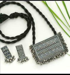 Pinterest • @KrutiChevli • For order whatsapp 9512533022 #silver #silverjewelry #jewelry #boho #silverearrings #navratri #tribal #silvernecklaceset #necklaceset #mehendi #blouse #puresilver #jhumka Oxidised Jewellery, Silver Jewellery, Silver Earrings, Jewlery, Stylish Jewelry, Mehendi, Chanel Boy Bag, Statement Jewelry, Bijoux