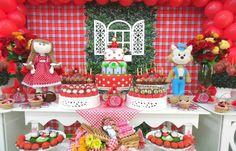 Flores naturais sofisticam a decoração das festas infantis; veja ideias