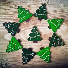 Dotted Christmas trees - wood blank and acrylic paints Christmas Trees, Christmas Ornaments, Dots, Painting, Mandalas, Xmas Trees, Christmas Jewelry, Paintings, Christmas Ornament