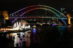 Sydney - City and Suburbs: Lavender Bay, Vivid Sydney, Light the Bridge