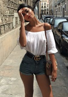 31 Street Style Outfit For You This Summer – Summer Outfits – Summer Fashion Tips Street Style Outfits, Summer Fashion Outfits, Casual Summer Outfits, Mode Outfits, Short Outfits, Spring Outfits, Street Outfit, Denim Shorts Outfit Summer, Women's Shorts