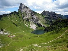 by fred_v on Flickr.  Vallée d'Abondance, Lac d'Arvouin - Chablais massif,  French Alps.