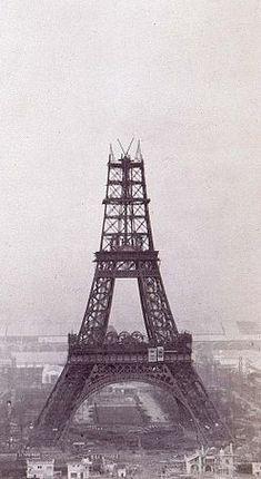 Eiffel Tower under construction, 1888 On a fait une vidéo pour présenter vos projets, un draw my life en 3D :) http://studiocigale.fr/films/?catid=1&slg=29