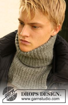 Snuggles - Knitted neck warmer for men in textured pattern, in DROPS Karisma. - Free pattern by DROPS Design Drops Design, Knit Or Crochet, Crochet Scarves, Knitting Patterns Free, Free Knitting, Free Pattern, Crochet Neck Warmer, Magazine Drops, Knitting Projects
