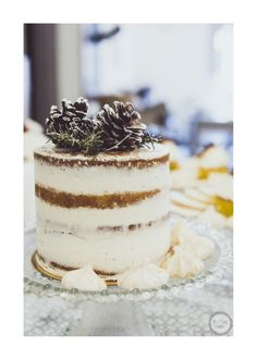 Photo : MissTerre Photographie / Wedding cake : Lovely Pâtisserie
