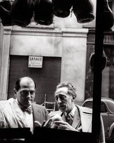 Luís Buñuel and Jéan Cocteâu at Ĉannes, 1967