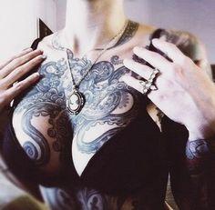 Tattoo Ideas and Inspiration Xoil Tattoos, Forearm Tattoos, Sexy Tattoos, Life Tattoos, Body Art Tattoos, Sleeve Tattoos, Tattoos For Women, Octopus Tattoo Design, Octopus Tattoos