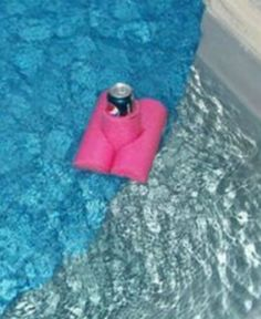 Summer DIY Projects: DIY Pool Drink Koozie. Awesome DIY project using a pool noodle!