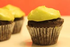 Chocolate Baby Cakes with Vanilla-Avocado Frosting only 73 calories