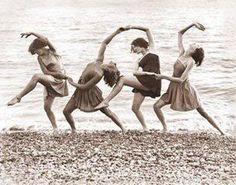 "Isadora Duncan ""Perverting young minds"""