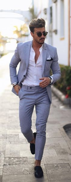 10 Work Outfits To Wear This Summer Summer Suits Ideas For Men To Style<br> Summer suits are one of the best fashion piece men should invest in summers. No sweating is the key for which you need lighter fabrics and colours. Mens Summer Wedding Suits, Summer Wedding Outfits, Summer Outfits Men, Work Outfits, Wedding Summer, Outfit Summer, Men's Summer Suits, Summer Wedding Clothes For Men, Winter Outfits