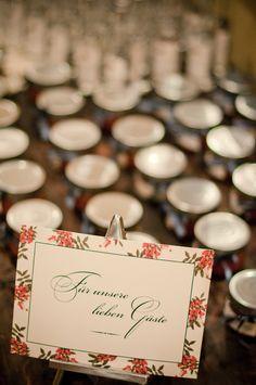 Herbsthochzeit - standesamtliche Trauung im Garten in privater Villa in Salzburg - weddingplanner: www.prime-moments.com
