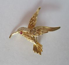 Hummingbird Pin Vintage Brooch Gold Tone Rhinestones Red Jeweled Eye Lapel Shawl Scarf Pin a la D M Lind (10.00 USD) by HobbitHouse
