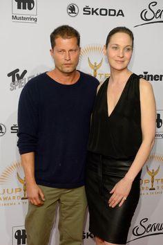 """Pin for Later: Die Stars feiern beim Jupiter Award in Berlin Til Schweiger und Jeanette Hain Gewinner in der Kategorie """"Bester Film national"""" für Honig im Kopf"""