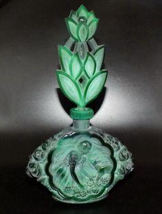 Parfum Flakon Jadeglas Grün geschliffen/poliert, Gablonz/Böhmen - Unikat