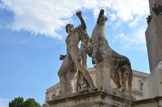 Estatua de Cástor e Pólux