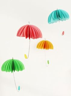 These paper umbrellas are so SIMPLE to make and they look adorable! Hang them in a window, on a baby mobile, or even on a wreath! Such a fun spring craft idea! How To Make Paper, Crafts To Make, Crafts For Kids, Umbrella Decorations, Umbrella Crafts, Spring Nail Colors, Spring Nails, Paper Umbrellas, Spring Party