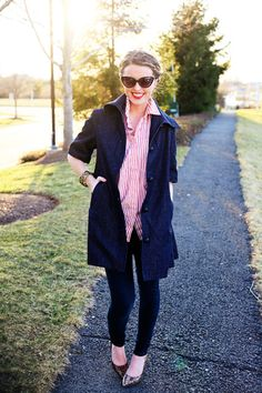 Spring - pink and navy/deep blue, shirt with leggings and heels