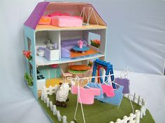 Felt toy pattern,doll house by fairyfox, via Flickr