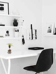 Surprising Tricks: Minimalist Bedroom Wall Interior Design minimalist home design mezzanine.Minimalist Interior Black Home Office minimalist bedroom simple work spaces. Workspace Inspiration, Interior Design Inspiration, Home Interior Design, Design Ideas, Home Design, Desk Inspo, Design Blogs, Design Interiors, Layout Inspiration