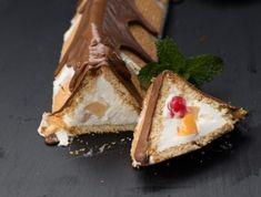 This fridged Cremora tart has long been a South African favourite, so we've simply added a delicious fruity Rhodes twist and coated it in chocolate. Tart Recipes, Dessert Recipes, Cooking Recipes, Traditional Trifle Recipe, South African Desserts, Fruit Trifle, Baked Pineapple, Icebox Cake, Beautiful Desserts