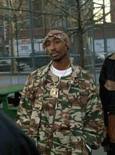 Tupac Shakur movie: above the rim Death Cab For Cutie, 90s Hip Hop, Hip Hop Rap, Mode Gangster, 2pac Makaveli, Band T Shirts, Looks Hip Hop, Tupac Quotes, Rap Quotes