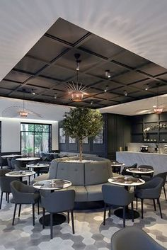 J'adore ce restaurant!   design d'intérieur, décoration, restaurant, luxe. Plus de nouveautés sur http://www.bocadolobo.com/en/inspiration-and-ideas/