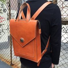 Custom-made leather backpack  #leather #leatherbag #leathercraft #handcrafted #bag #handstitched #craft #lcm #手縫#皮具#革#backpack #leatherbackpack