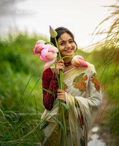 "Photographyishtam on Instagram: ""Follow and tag to get featured : @photographylove_____ @photographylove_____ @photographylove_____ @photographylove_____…"" Kerala Wedding Photography, Dreamy Photography, Photography Poses Women, Nature Photography, Concept Photography, Indian Photoshoot, Saree Photoshoot, Photoshoot Ideas, Cute Beauty"