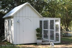 I love this chicken coop, especially the inside!