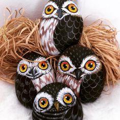 Sarı gözler #baykuş #owl #taşboyama #stonepaint #dekoratifboyama #akrilik #hediye #gift #hayvanseverler #animallovers #owllovers #instalike #gününkaresi #artlovers #yelloweyes #decoration #elyapımı #handmade #tasarım #art