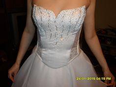 2 részes fehér,uszályos menyasszonyi ruha 36-38-as méretben.