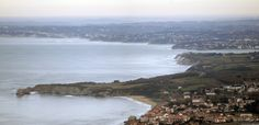 https://flic.kr/p/BWBNhQ | The Basque Country coast (french side) as seen from the Jaizkibel | Hendaye, les Jumeaux, la route de la corniche, Saint-Jean-de-Luz, Eromardie, Lafitenia, Senix, Guéthary and Bidart. The distance between land and the famous and dangerous wave of Guéhary is very visible.