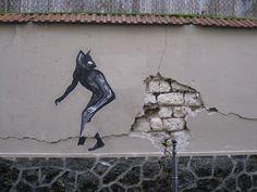 Parisian Cat | street art by Suriani