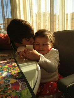 Remembering Avalanna: 1 Year Ago Today She Met Justin Bieber - http://belieberfamily.com/2013/02/13/remembering-avalanna-1-year-ago-today-she-met-justin-bieber/