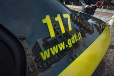 Napoli contrabbando sigarette: sequestrate 9 tonnellate due arresti