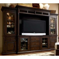 Paula Deen Home Furniture Collection Savannah Ent Center in Tobacco